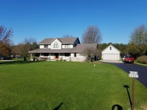 Property for sale at W362S2257 Lisa Ln, Dousman,  WI 53118