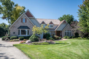 Property for sale at N28W30193 Red Hawk Ct, Pewaukee,  WI 53072