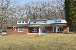 Property for sale at S340 Indian Spring Dr, Delafield,  WI 53018