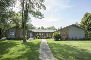 Property for sale at W355N6106 Schooner Ct, Oconomowoc,  WI 53066