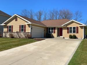 Property for sale at 440 Thurow Dr, Oconomowoc,  WI 53066