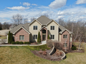 Property for sale at 747 Cheviot Dr, Pewaukee,  WI 53072