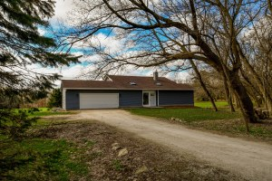 Property for sale at N46W23423 Lindsay Rd, Pewaukee,  WI 53072