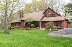 Property for sale at 303 Garner Rdg, Delafield,  Wisconsin 53018