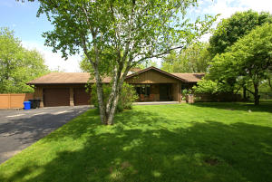 Property for sale at W323N8248 Northcrest Dr, Hartland,  WI 53029
