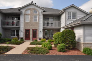 Property for sale at 949 Quinlan Dr Unit: G, Pewaukee,  WI 53072