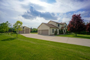 Property for sale at N79W28271 Tourmaline Ct, Hartland,  WI 53029