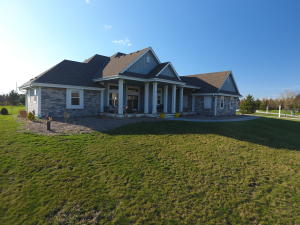 Property for sale at W347N6745 Shoreview Ct, Oconomowoc,  Wisconsin 53066