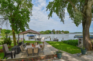 Property for sale at 216 N Lake Rd, Oconomowoc,  Wisconsin 53066