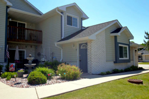 Property for sale at W240N2524 E Parkway Meadow Cir Unit: 7, Pewaukee,  WI 53072