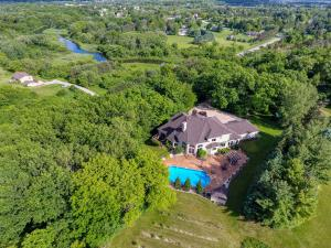 Property for sale at W292N7245 Tamron Dr, Hartland,  WI 53029