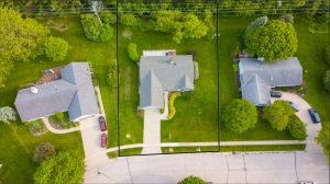 Property for sale at 453 Leanore Ct, Pewaukee,  WI 53072