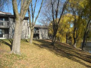 Property for sale at 1061 Regent Rd Unit: 618, Oconomowoc,  Wisconsin 53066