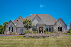 Property for sale at W383N6500 Woodlake Cir, Oconomowoc,  Wisconsin 53066