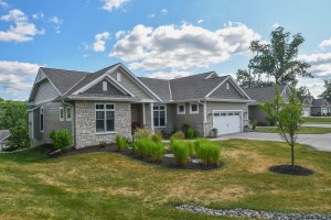 Property for sale at W314N362 Lara Ln Unit: 601, Delafield,  Wisconsin 53018