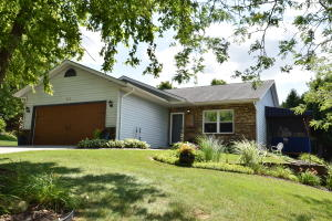Property for sale at 913 Manchester Ct, Hartland,  Wisconsin 53029