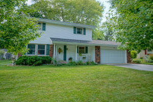 Property for sale at 1129 Dona Rd, Hartland,  Wisconsin 53029