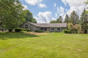 Property for sale at 678 Scenic Heights Dr, Delafield,  Wisconsin 53018