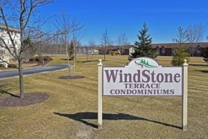 Property for sale at 520 Windstone Dr Unit: 105, Hartland,  Wisconsin 53029