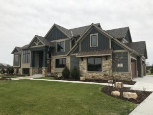 Property for sale at 319 Hemlock Ct, Hartland,  Wisconsin 53029
