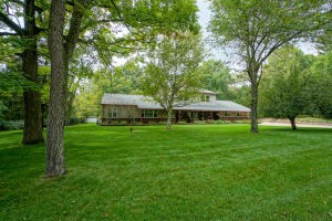 Property for sale at W336N739 Meadow Ln, Delafield,  Wisconsin 53018