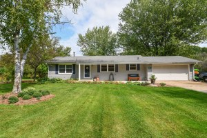 Property for sale at N59W39722 Sunnyfield Dr, Oconomowoc,  Wisconsin 53066