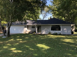 Property for sale at 812 Marymere Dr, Oconomowoc,  Wisconsin 53066