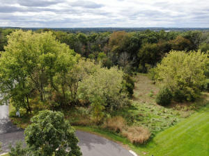 Property for sale at S28W35395 Spring House Ct, Dousman,  Wisconsin 53118