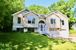 Property for sale at 728 Coventry Ln, Hartland,  Wisconsin 53029