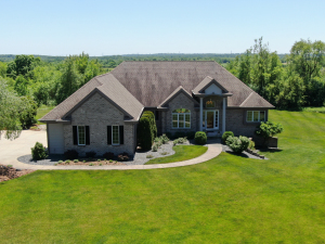 Property for sale at N87W27355 Emerald Fields Ct, Hartland,  Wisconsin 53029