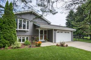 Property for sale at N64W28480 Meadowlark Ln, Hartland,  Wisconsin 53029