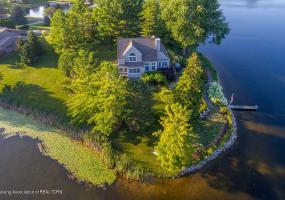 9760 Sunny Point Drive, Laingsburg, MI 48848, 3 Bedrooms Bedrooms, ,4 BathroomsBathrooms,Residential,For Sale,Sunny Point,238434