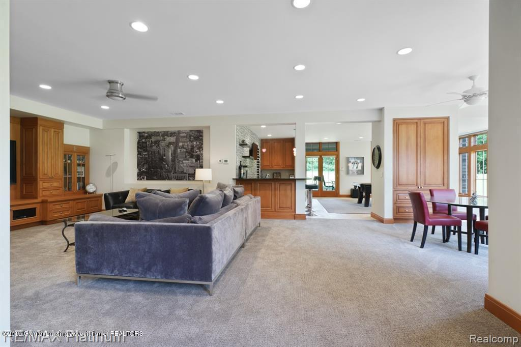 5026 Houghton Drive, Pinckney, MI 48169, 6 Bedrooms Bedrooms, ,5 BathroomsBathrooms,Residential,For Sale,Houghton,239232