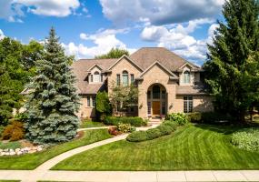 6422 Oakencliffe Lane, East Lansing, MI 48823, 5 Bedrooms Bedrooms, ,5 BathroomsBathrooms,Residential,For Sale,Oakencliffe,241940
