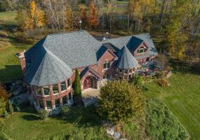 4030 Hahn Drive, Perrinton, MI 48871, 4 Bedrooms Bedrooms, ,3 BathroomsBathrooms,Residential,For Sale,Hahn,242156