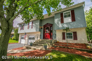 2 Lamp Post Court, Howell, NJ 07731