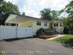 Wonderfully maintained ranch in Hazlet