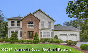 16 Pioneer Court, Freehold, NJ 07728