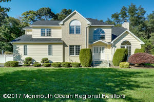 Gorgeous Colonial in Eatontown