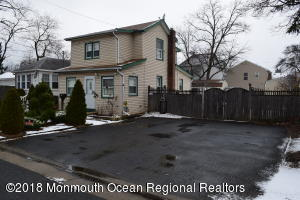 115 Cedar Avenue, Middletown, NJ 07748