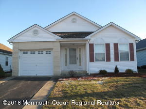 12 Cardigan Drive, Toms River, NJ 08757