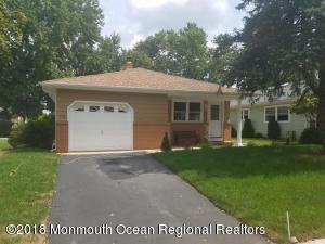 414 Saint Thomas Drive, Toms River, NJ 08757