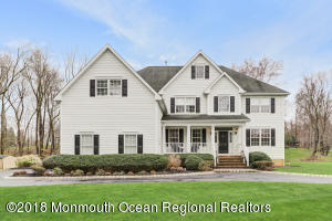 10 Red Hill Road, Middletown, NJ 07748