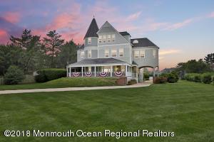 Classic Monmouth Beach Victorian/Seashore home