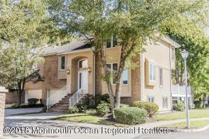 123 Woodlake Court, N123, Holmdel, NJ 07733