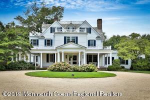 Exquisite Hamptons' inspired elegance!