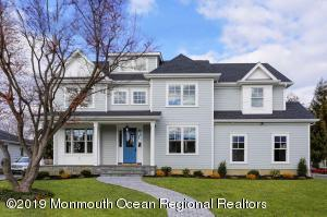 STUNNING SEA SHORE COLONIAL !!