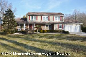 42 Daum Road, Manalapan, NJ 07726