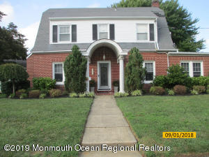 25 Chestnut Place, West Long Branch, NJ 07764