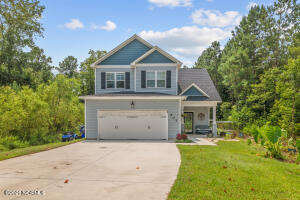 407 Old Stage Road, Richlands, NC 28574